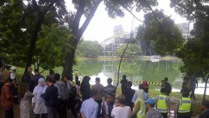 Kematian Akseyna di Danau Kenangan UI, Kamis, (26/3) 2015