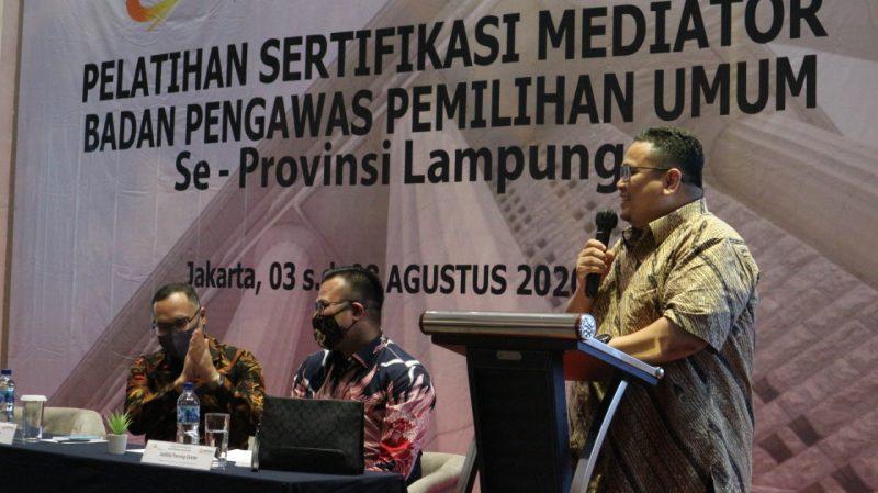 Rahmat Bagja, S.H., LL.M (Anggota Bawaslu RI) Membuka Acara Pelatihan Sertifikasi Mediator Badan Pengawas Pemilihan Umum Se-Provinsi Lampung