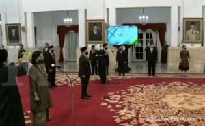 SAH! Presiden Jokowi Lantik 5 Dewan Pengawasa LPI